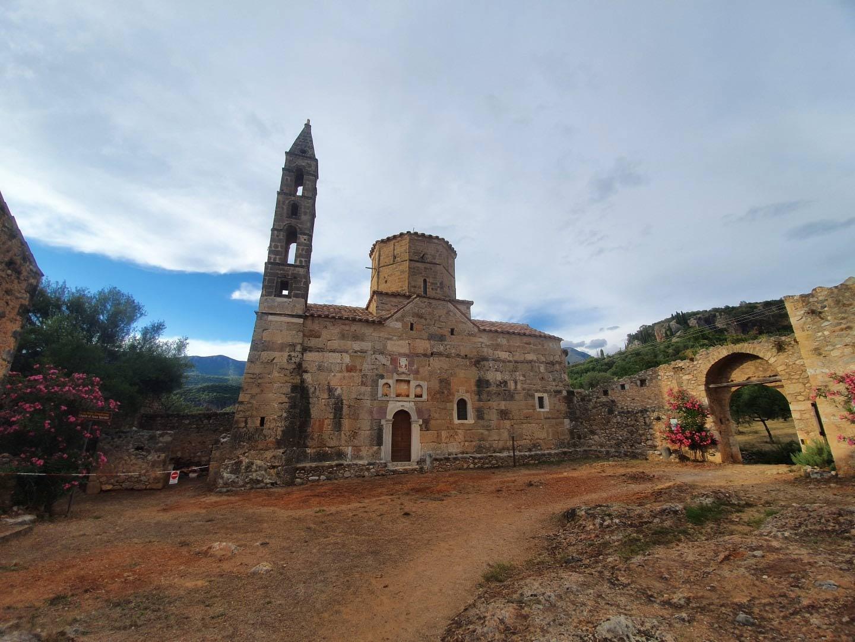 Day 6: Kalamata - Messinian Mani ( Kardamyli-Stoupa) and Mountain villages ( Kastania - Milia - Platsa- Thalames) - Kalamata Km 155.